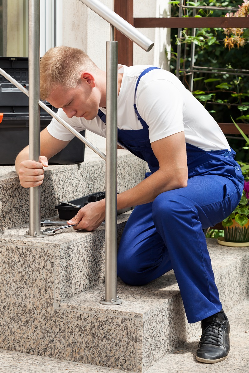 Installer of aluminum railing