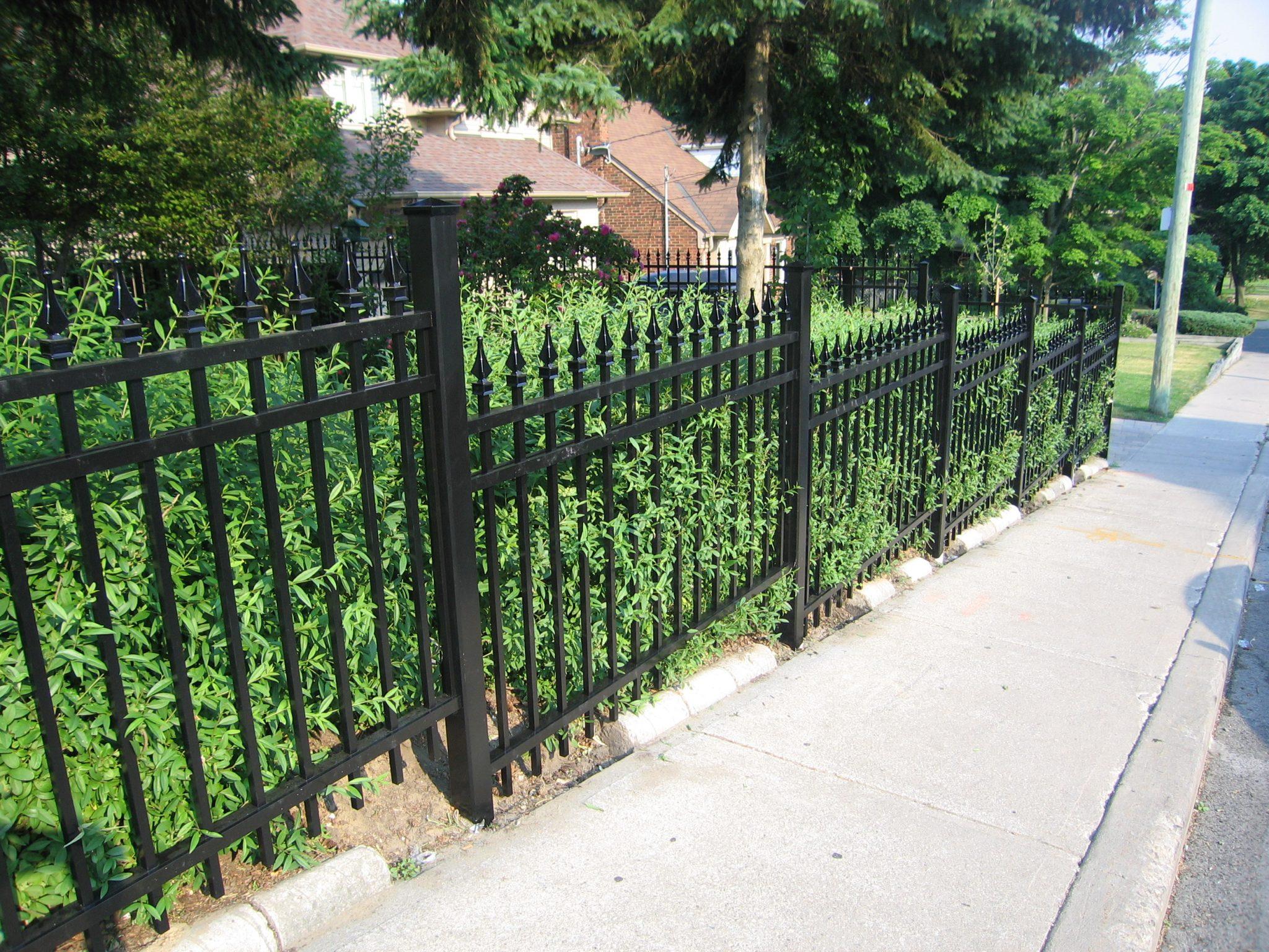 Declining picket fence