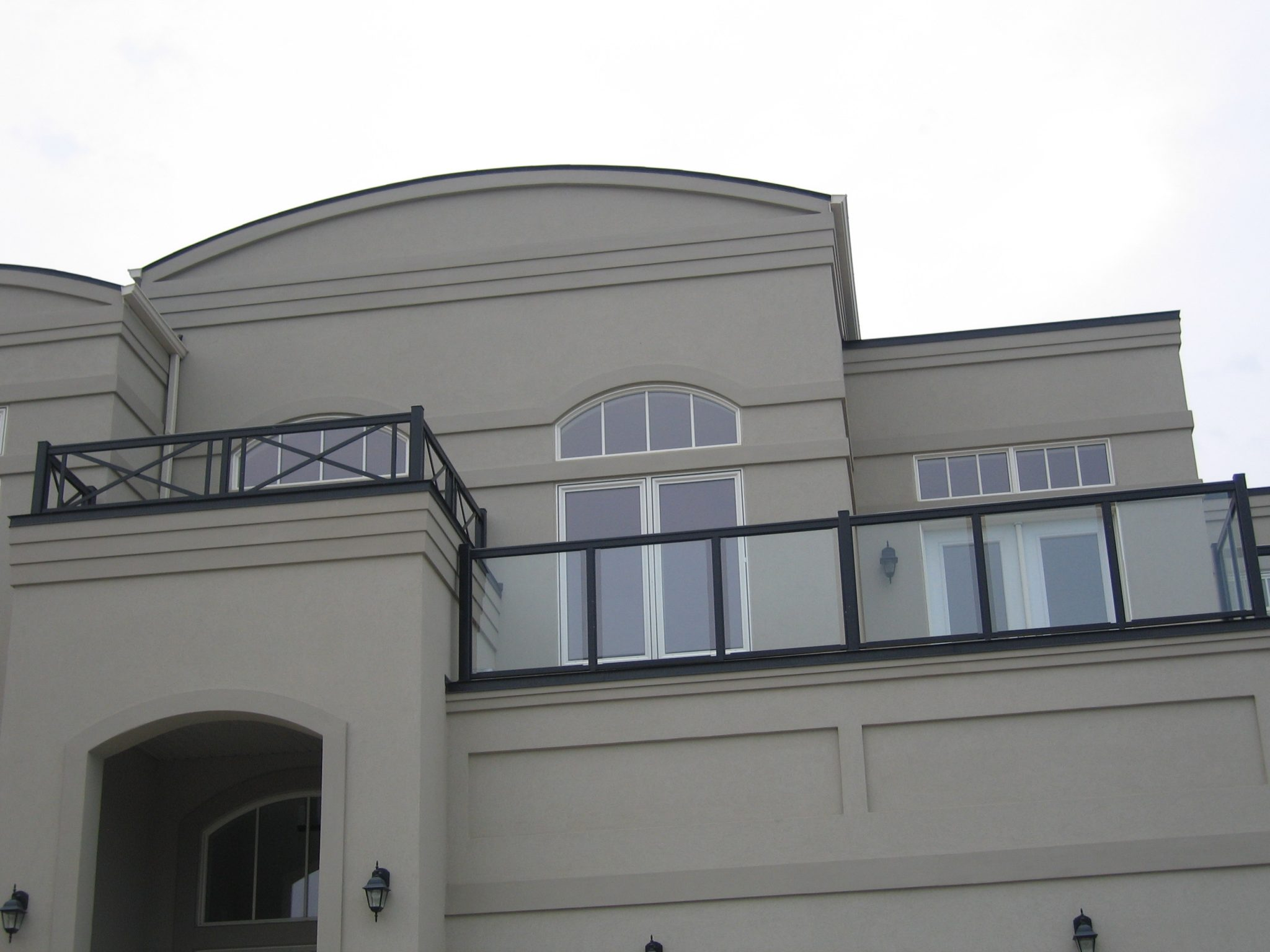 Mansion with canopy roof