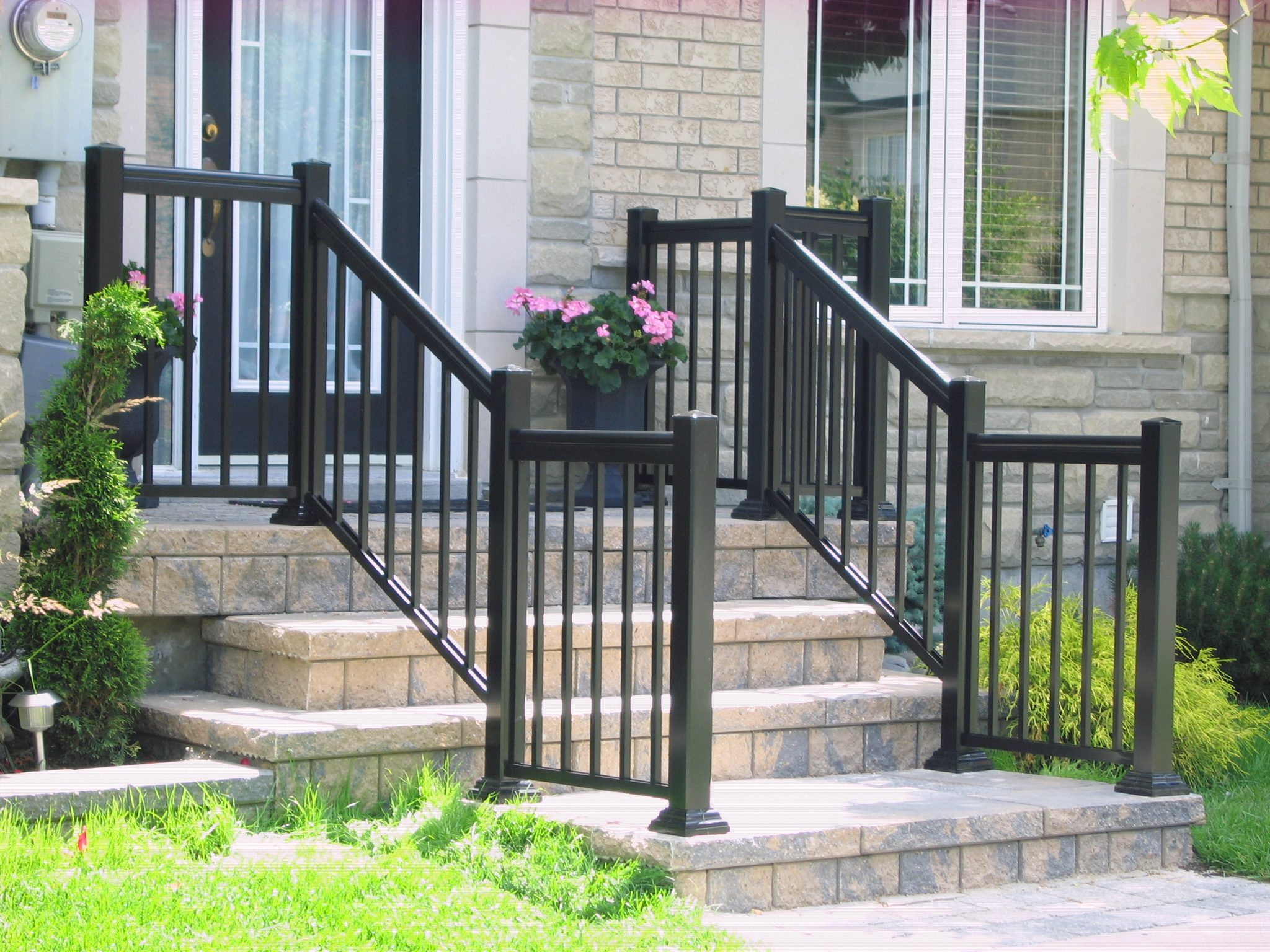 Steps with aluminum railings