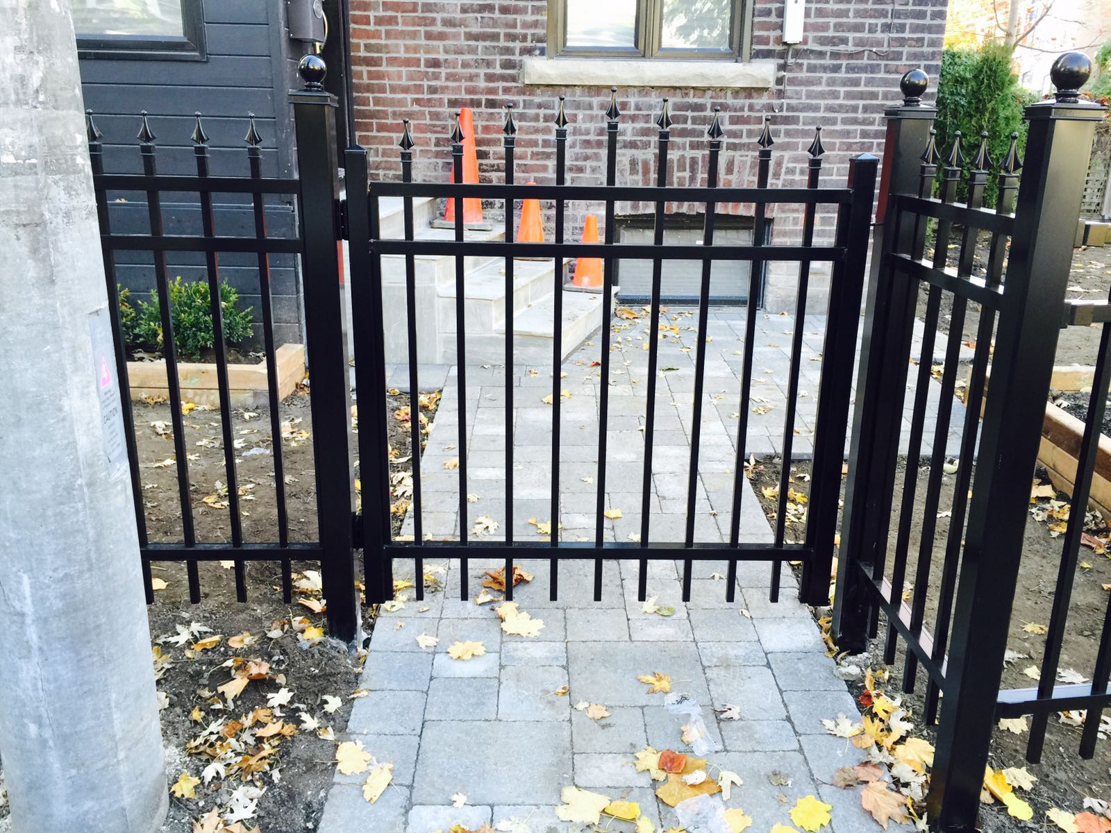 Picket gate fence