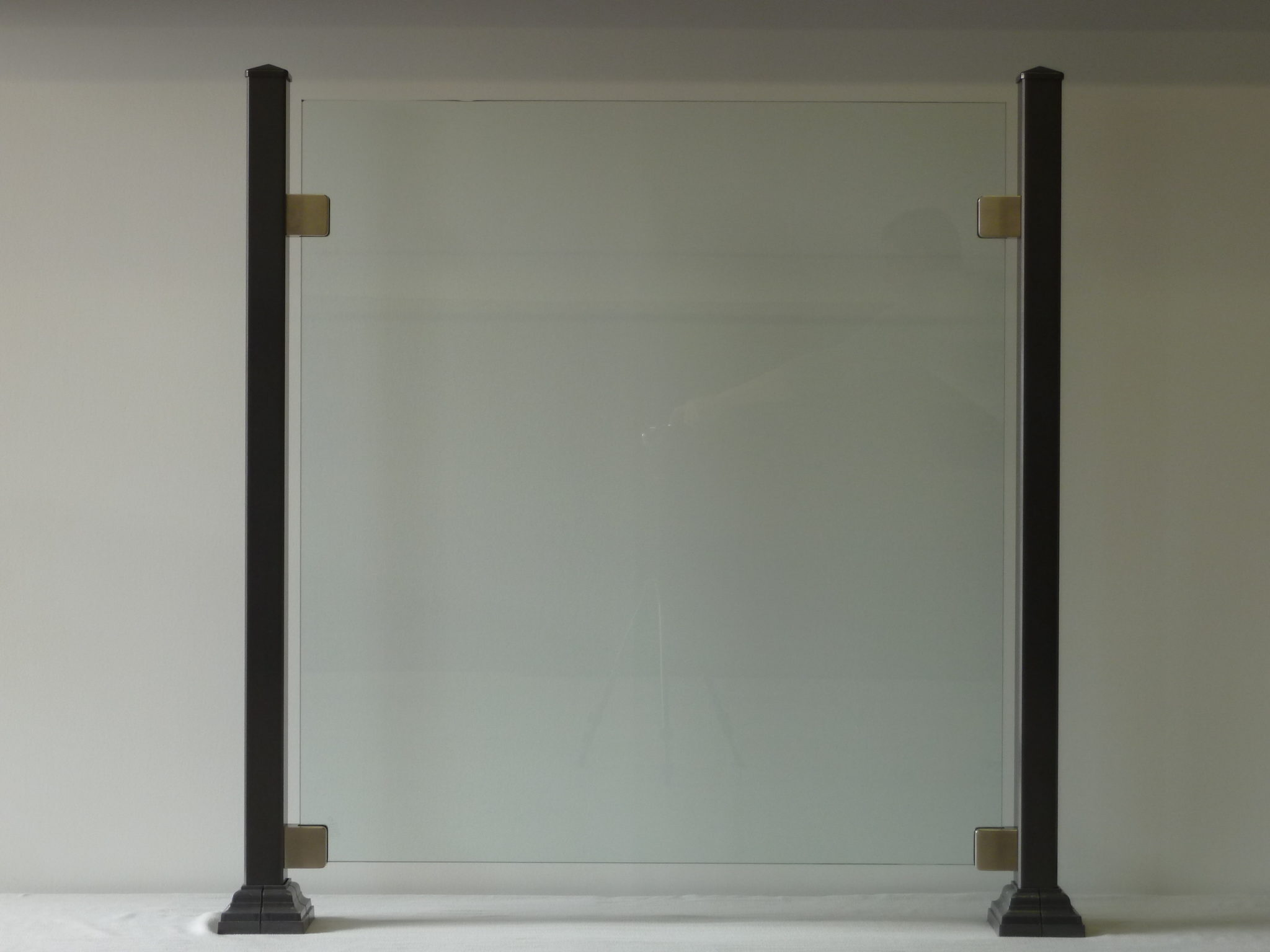 Glass fence without frame