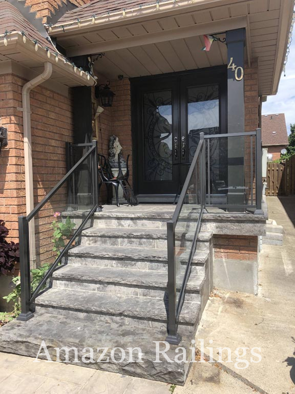 Amplify the Look of Your Entrance With Our Glass Railings