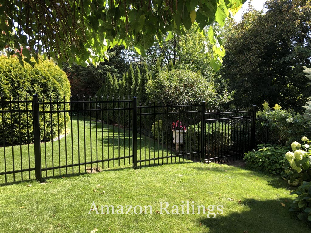 Aluminum Picket Fence for Homes in Toronto, Canada