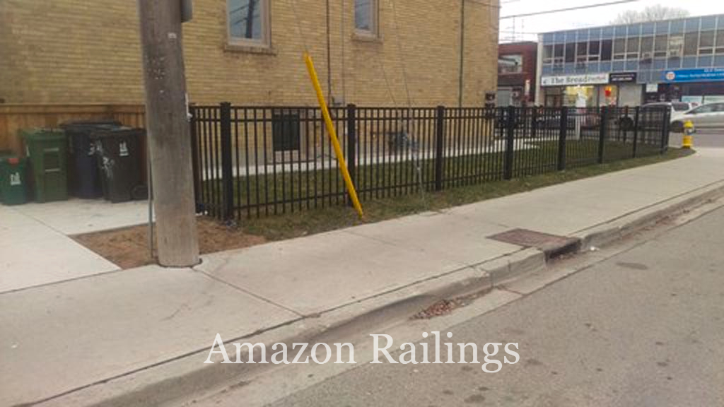 Best Residential Picket Fencing System in Toronto