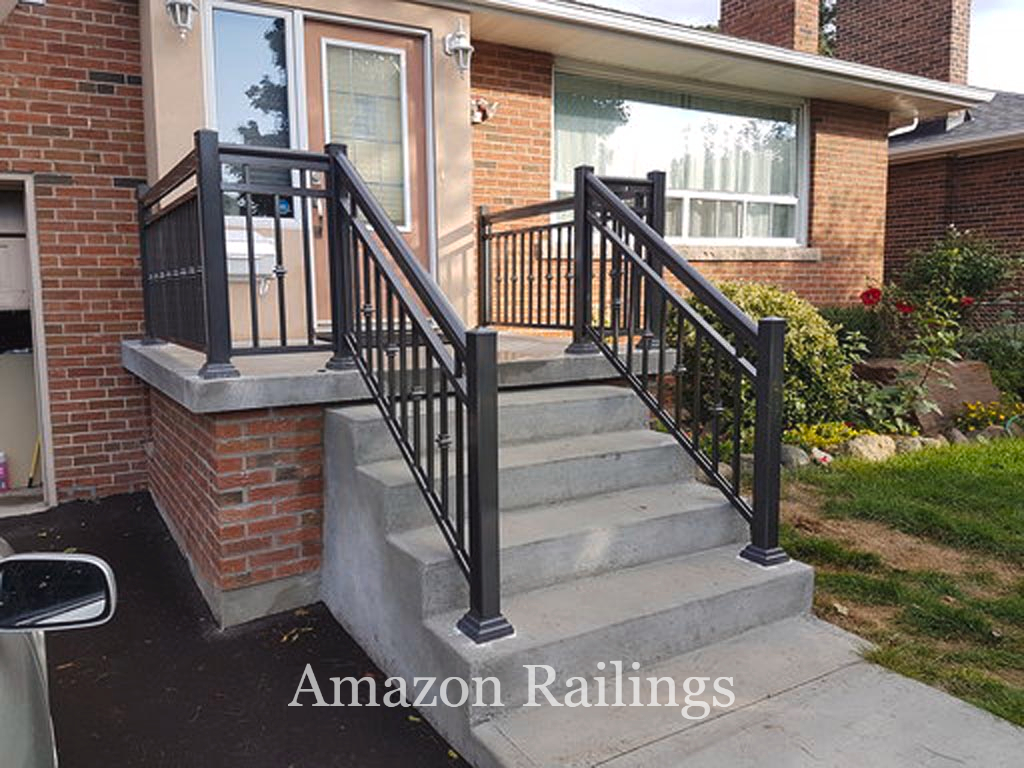 Install Sturdy Porch Picket Railings For Your Home