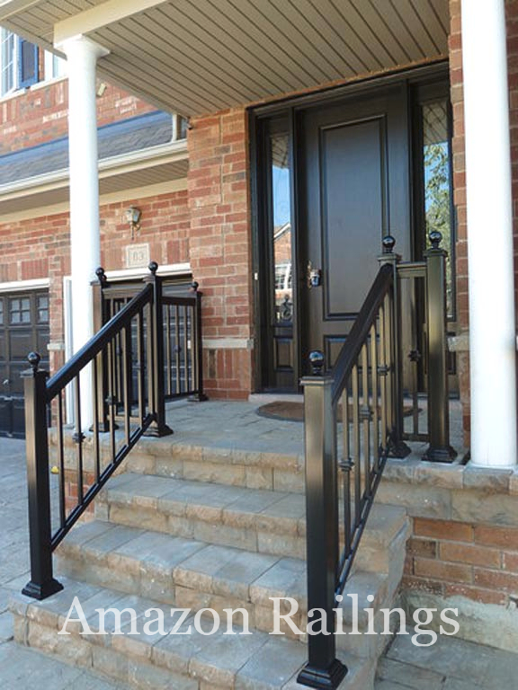 Visually Appealing Picket Railings For Your Outdoors