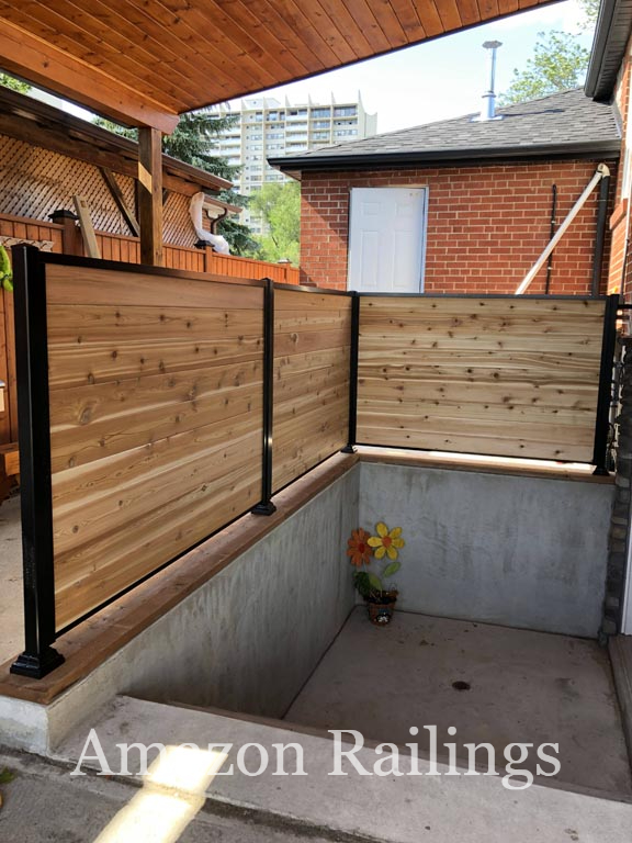 Privacy Fence with Aluminum Post for Small Areas in Homes