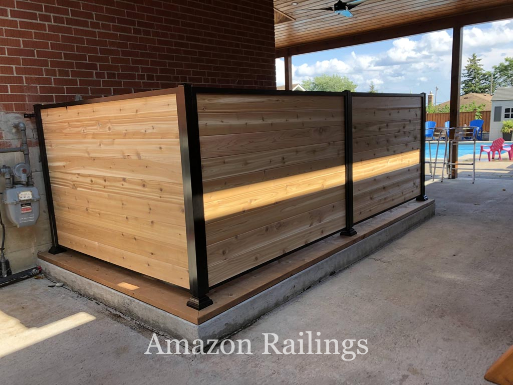 Wood Privacy Fence for Small Areas in Homes