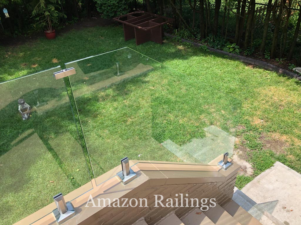 Affordable Stainless Steel Railings for Backyards in Toronto